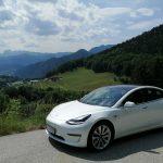 Gipfelstürmer-Tesla-Model-3-mieten